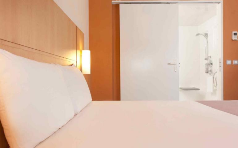 hotel ibis malabo salle de bain baudet préfabriquée