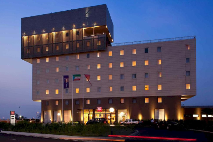 hotel ibis guinee salle de bain francaise baudet