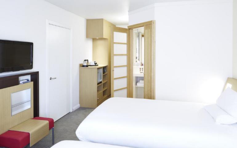 conception salle de bain baudet novotel hotellerie