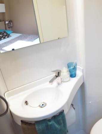 jade-salle-de-bain-prefabriquee-baudet (2)