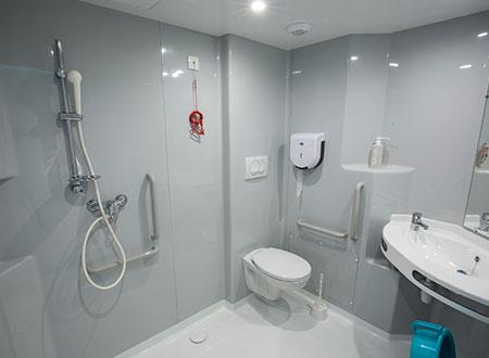 salle de bain médiale